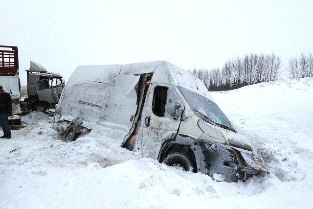 первую авария 23 февраля трасса м7 данной тематике, трафареты
